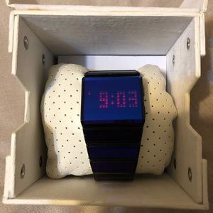 Diesel purple watch digital DZ7108